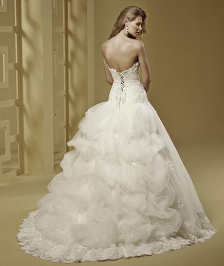 La collezione Romance abiti da sposa 2015 rientra nelle quattro linee ...