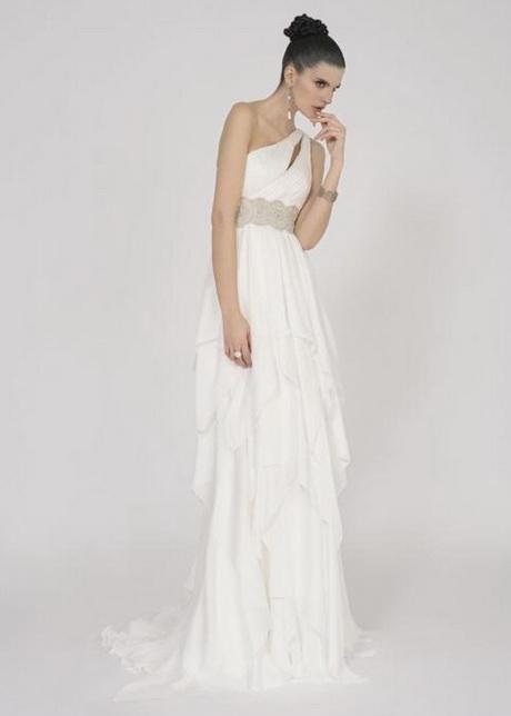 ... nel 2011. Comune denominatore in vestiti da sposa dai diversissimi