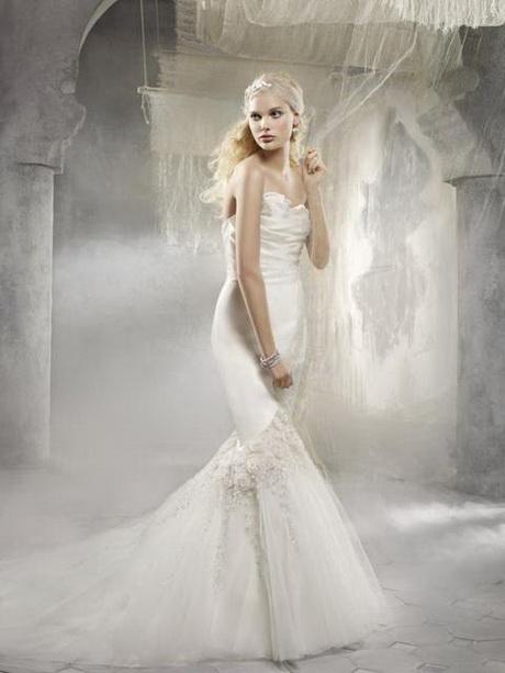 Abito da sposa con fiori Collezione Alvina Valenta. Gli abiti da sposa ...