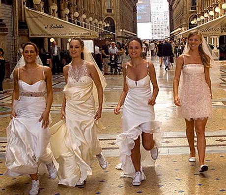 ... outlet di abiti da sposa in Italia. E' chiaro che ogni Atelier che