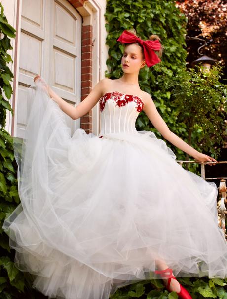 Matrimonio In Rosso E Bianco : Vestito sposa bianco e rosso