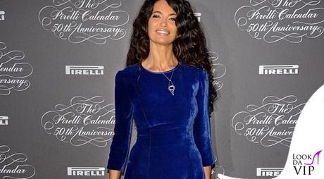 bb74417f30b8 Afef in velluto blu è la regina del Pirelli – Look da Vip