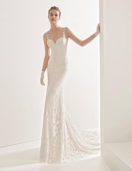 bd235e9dc2d8 Abiti da sposa 2017 collezione Rosa Clarà